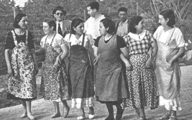 Carretera adelante, camino a la fábrica. Murcia, 1936